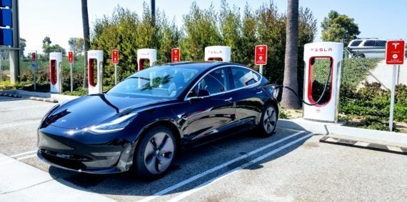 """Edmunds: Tesla Model 3 Is The """"Ultimate Driving Machine ..."""