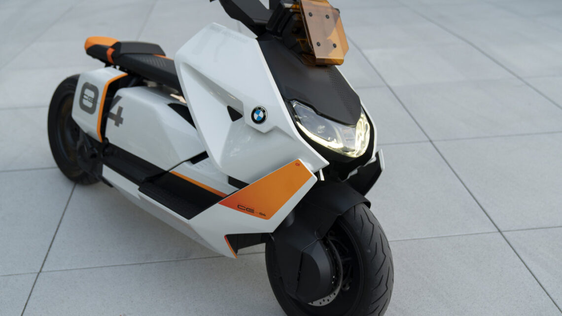 BMW Motorrad presents the Definition CE 04 as their latest emission-free scooter