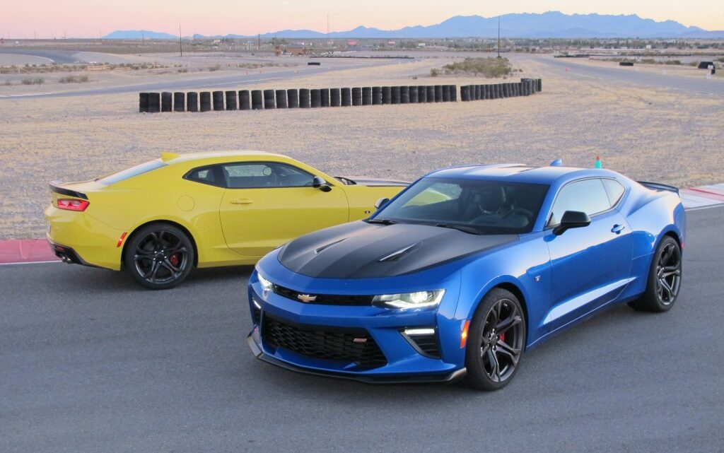 2022 Chevrolet Camaro turbo-4 and V-6 lose 1LE package to focus on V-8