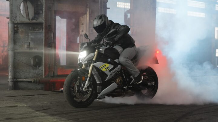 900 new BMW motorcycles available in no time